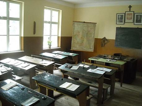 Wnętrze sali lekcyjnej, lata 30-ste XX w.