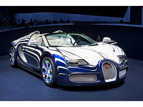 Bugatti Veyron  (źródło: wikipedia.org)