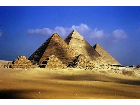 piramidy w Gizie  źródło: flickr.com