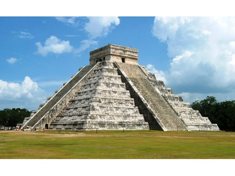 piramida Majów  źródło: flickr.com