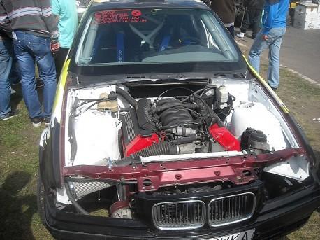 Zajrzyjmy do wnętrzności auta BMW (fot. Przemysław Jankowski)