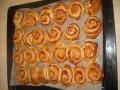 Ślimaczki - przekąski z … ciasta na pizzę - przepis;przekąska;pizza;roladki;smak;salami;pepperoni;ketchup