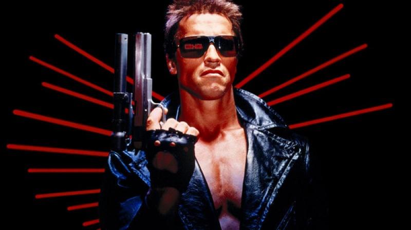 Terminator T-101/T-800 (źródło: www.planetvideo.com)