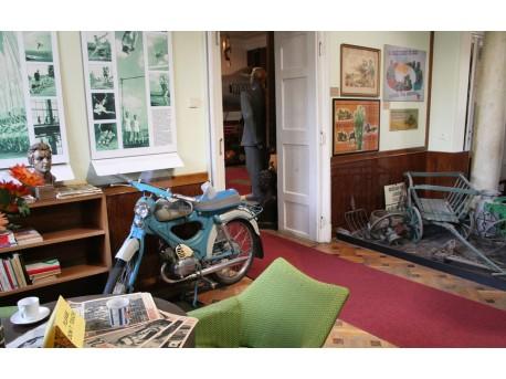 Muzeum w Pradze, ekspozycja przedstawia czasy komunizmu.  https://www.flickr.com/photos/nakedcharlton/ Jons