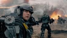 Bezustannie zapętlony, w środek walki wrzucony - recenzja;Na skraju jutra;science fiction;akcja;Tom Cruise;Emily Blunt;Bill Paxton;Doug Liman