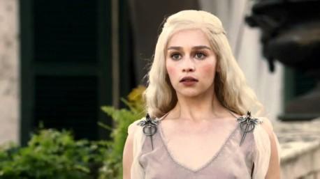 Emilia Clarke - Daenerys Targaryen (źródło: youtube.com)