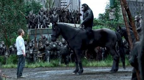 """Kadr z filmu """"Ewolucja planety małp"""" (źródło: youtube.com)"""