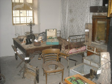 Pokój biednej rodziny z początków XX wieku (fot. Przemysław Jankowski)