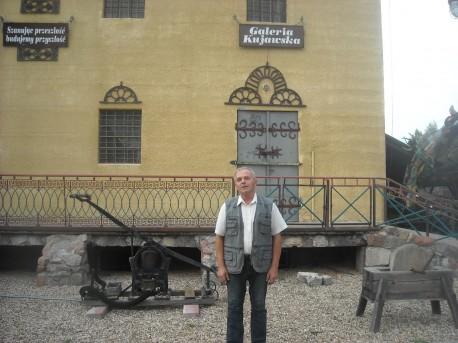 Pan Antoni Benedykt Łukaszewicz przed swoim Królestwem (fot. Przemysław Jankowski)