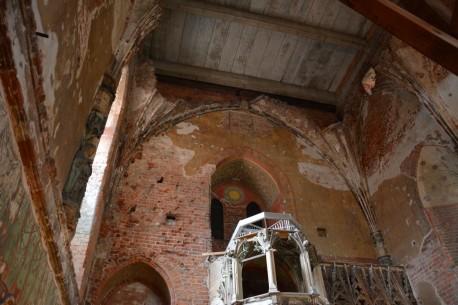 Stara część kościoła w zamku w Malborku - to stan na koniec sierpnia 2014 roku. Podjęto decyzję o odnowieniu i odrestaurowaniu tej części zamku, która do 2016 roku będzie zamknięta dla odwiedzających. Odnowioną część kościoła będzie można zobaczyć po 2016 roku.