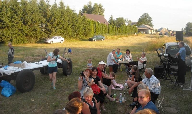 Impreza nad jeziorem (fot. PJ)