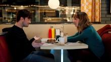 """""""Słowo na M"""" – The right one - recenzja;Słowo na M;Michael Dowse;Daniel Radcliffe;Zoe Kazan;komedia romantyczna;miłość;romans;uczucie;para;bratnia dusza;przyjaźń;humor;wyrafinowany;ironia;przyjemny;inteligentny"""