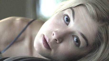 """Kadr z filmu """"Zaginiona dziewczyna"""" (źródło: youtube.com)"""