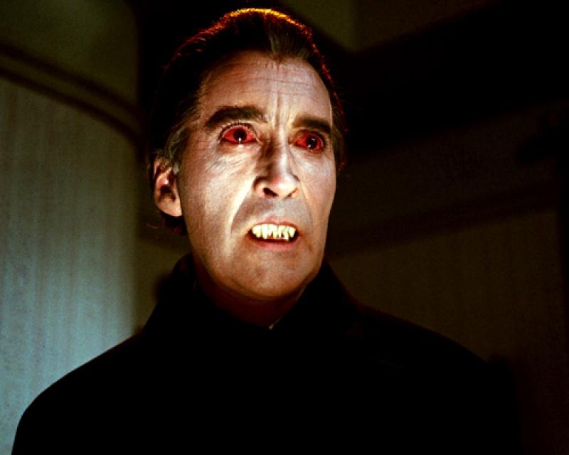 Christopher Lee jako Hrabia Dracula (źródło: http: www.chud.com)