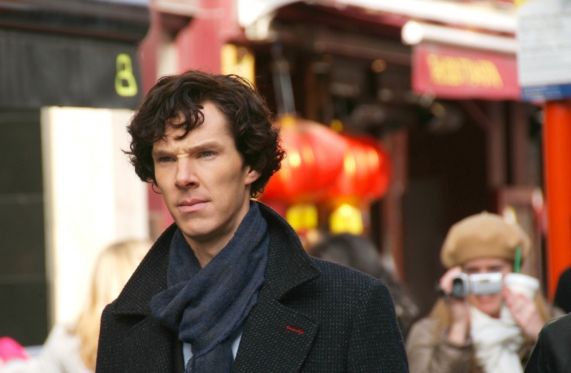 Benedict Cumberbatch jako Sherlock Holmes  https://www.flickr.com/photos/bellaphon/