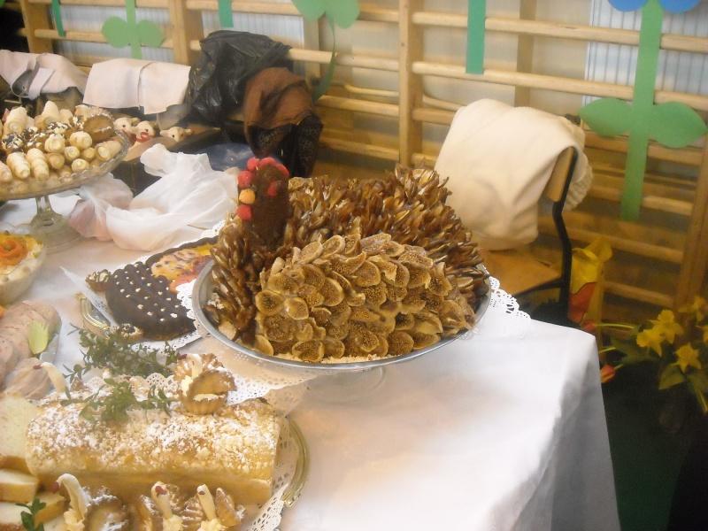 Inne stoły, na pierwszym planie kura (fot. ZJ)