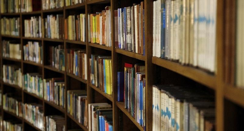 Biblioteka (źródło: www.flickr.com/photos/oneterry)  Terry Kearney