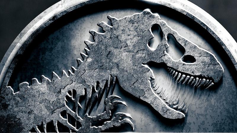 """Logo """"Jurassic World"""" (źródło: youtube.com)"""