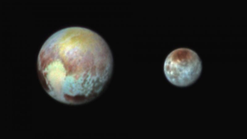 Pluton i Charon - zdjęcie wykonane przez New Horizons (źródło: www.flickr.com/photos/gsfc)