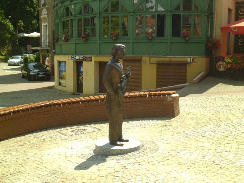 Szczawno-Zdrój, pomnik skrzypka (fot. Jaromir Zawrot)
