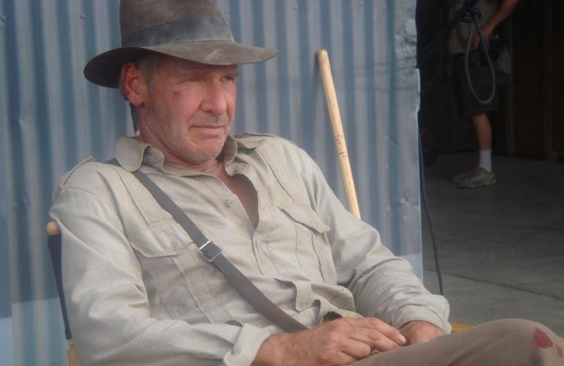 """Harrison Ford na planie """"Indiany Jonesa i Królestwa Kryształowej Czaszki"""" (źródło: wikimedia.org)"""