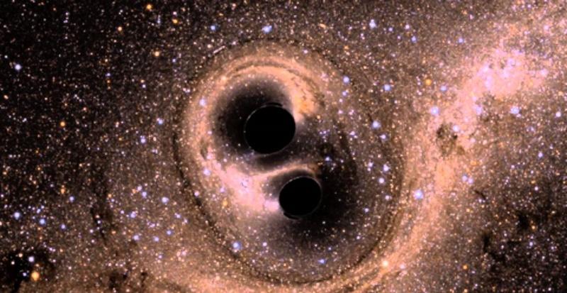 Symulacja zderzenia dwóch czarnych dziur (źródło: youtube.com/screenshot)