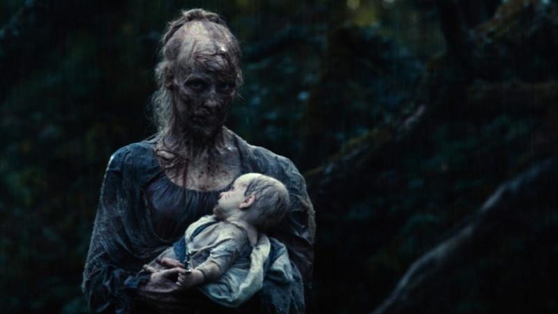"""Kadr z filmu """"Duma i uprzedzenie, i zombie"""" (źródło: youtube.com)"""