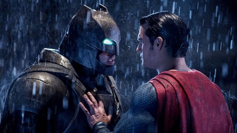 """Kadr z filmu """"Batman v Superman: Świt sprawiedliwości"""" (źródło: youtube.com)"""