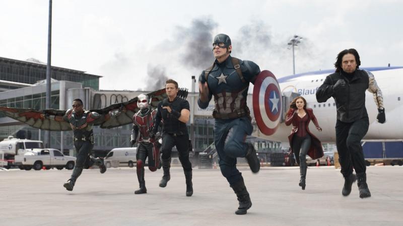 """Kadr z filmu """"Kapitan Ameryka: Wojna bohaterów"""" (źródło: youtube.com/screenshot)"""
