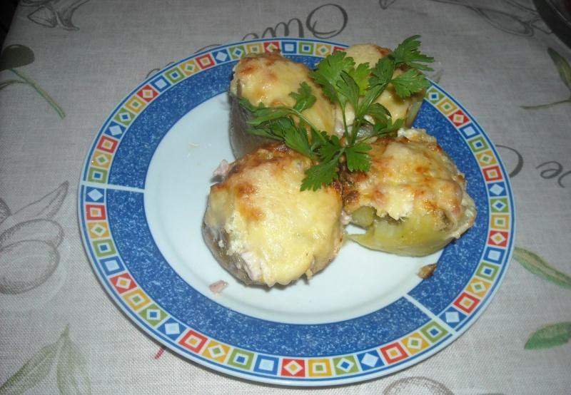 Ziemniaki faszerowane pieczarkami (fot. PJ)