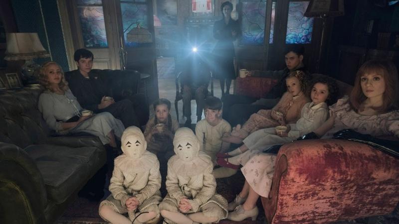 """Kadr z filmu """"Osobliwy dom pani Peregrine"""" (źródło: youtube.com)"""