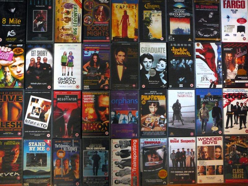 Filmy na kasetach VHS (źródło: www.flickr.com/photos/dantaylor)