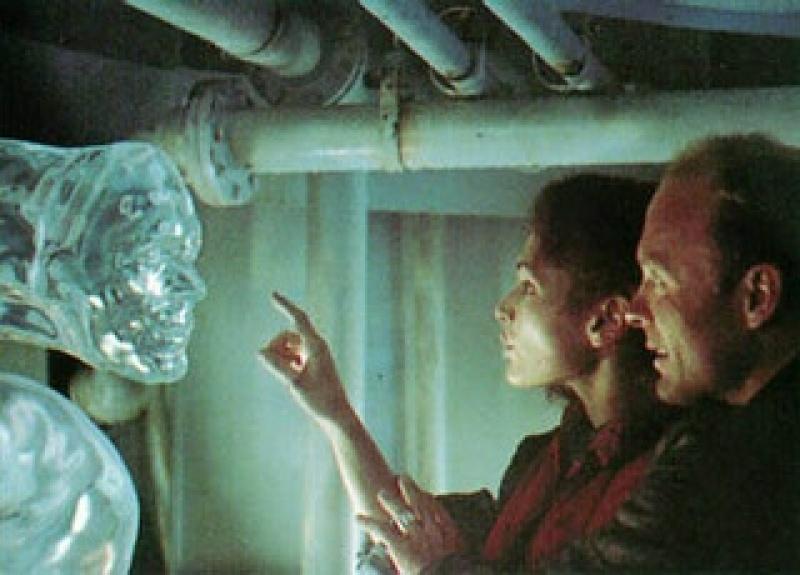 "Kadr z filmu ""Otchłań"" (źródło: pinterest.com)"
