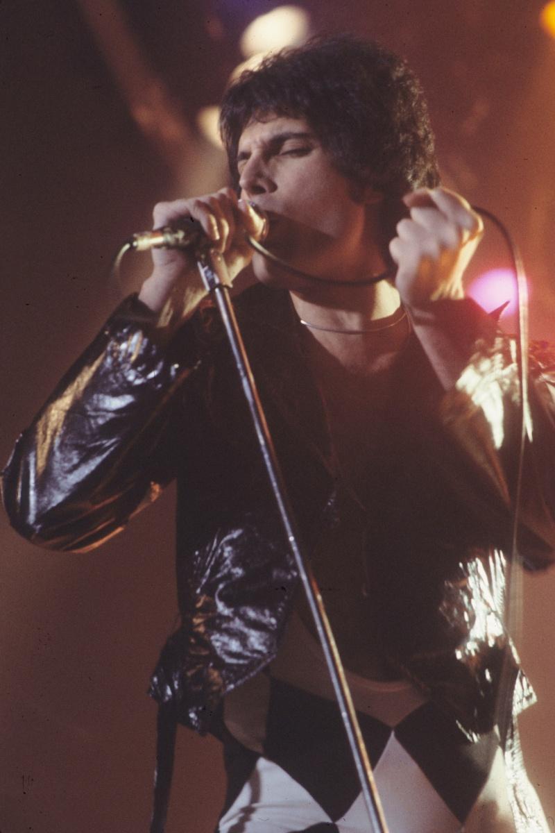 Freddie Mercury (źródło: wikimedia.org)