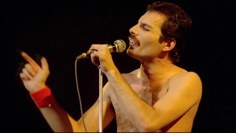 Freddie Mercury (źródło: youtube.com/screenshot)
