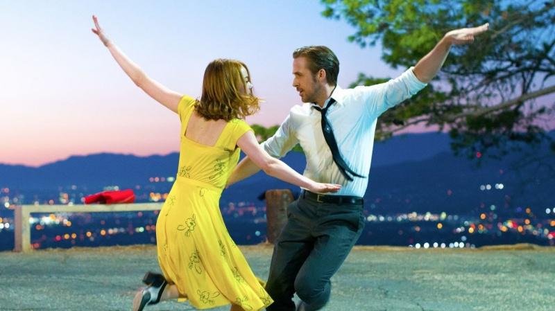 """""""La La Land"""" – Wytańczyć marzenia - La La Land;musical;melodramat;Damien Chazelle;Ryan Gosling;Emma Stone;tradycja;klasyka;nowoczesność;barwy;miłość;marzenia;taniec"""