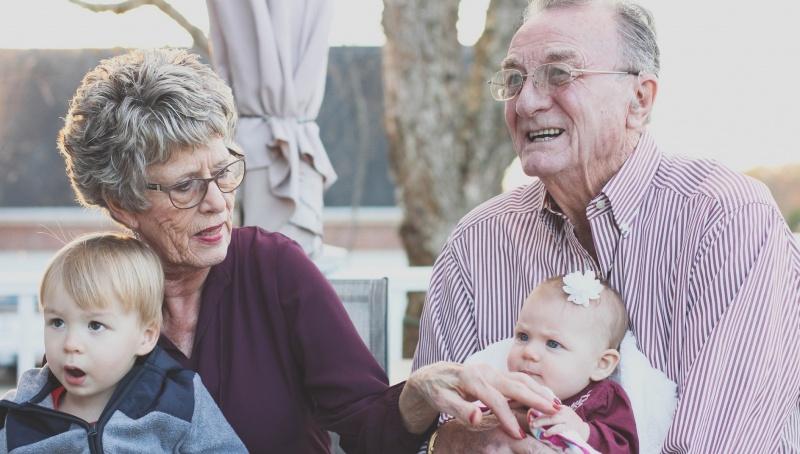 Dzień Babci i Dziadka (źródło: pxhere.com)