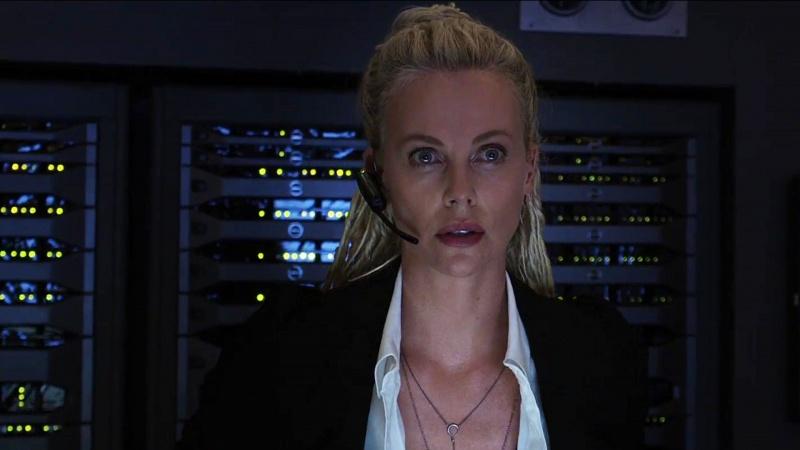 """Kadr z filmu """"Szybcy i wściekli 8"""" (źródło: youtube.com)"""