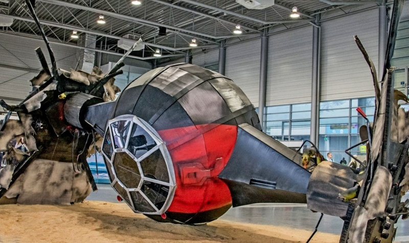 Pyrkon 2017 - replika myśliwca Tie-Fighter (źródło: youtube.com/screenshot)