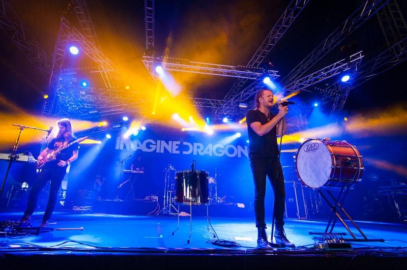 Amerykański zespół Imagine Dragons grający indie rocka, jedna z gwiazd Orange Warsaw Festival (źródło: wikimedia.org/Tuomas Vitikainen)