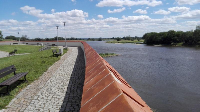 Dzień IV - Widok na rzekę Odrę z Umarłego Miasta Kostrzyn