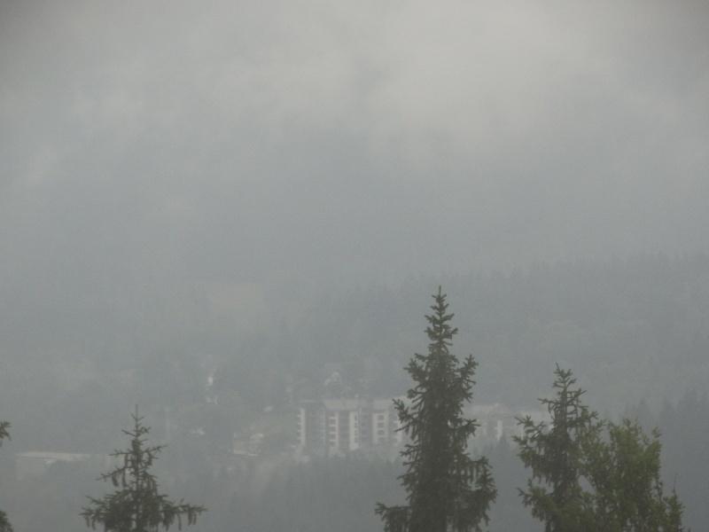 Dzień V - Widok wieczorem na Szklarską Porębę we mgle