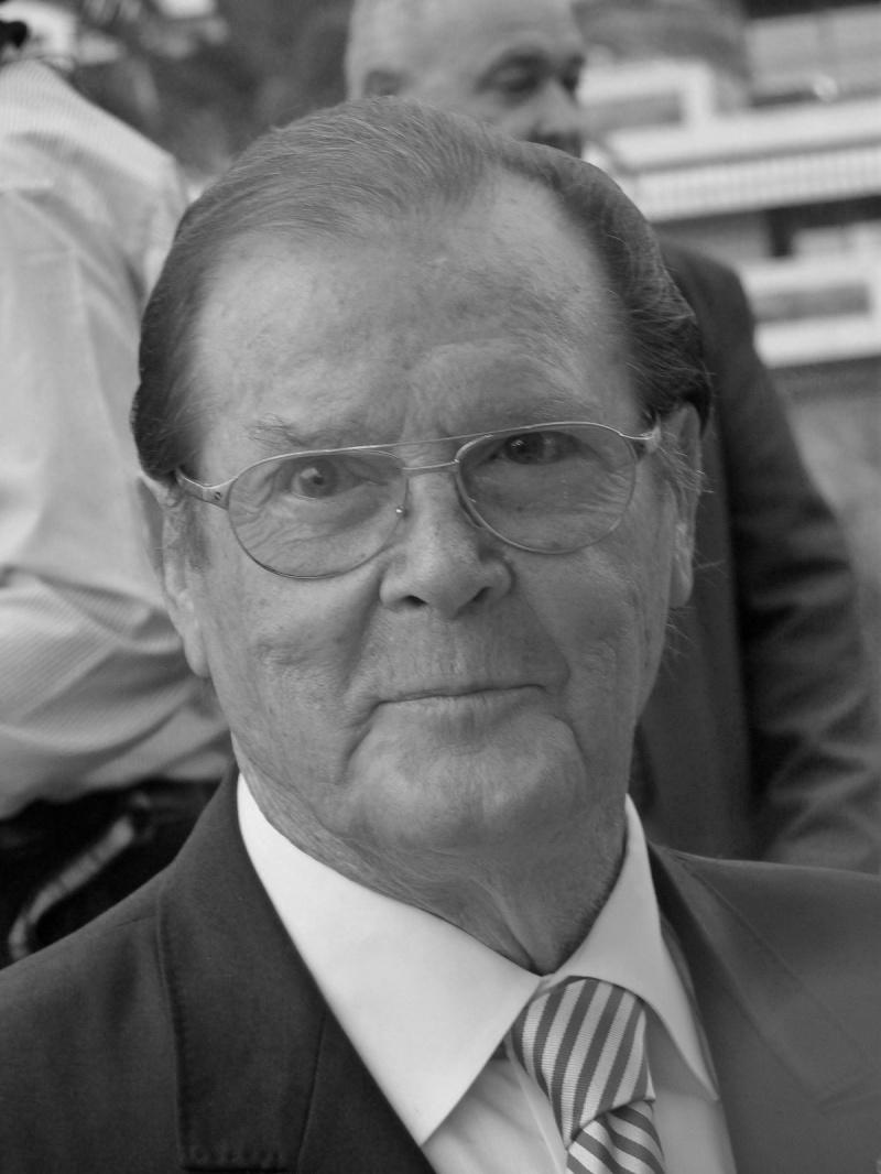 Roger Moore (źródło: wikimedia.org)
