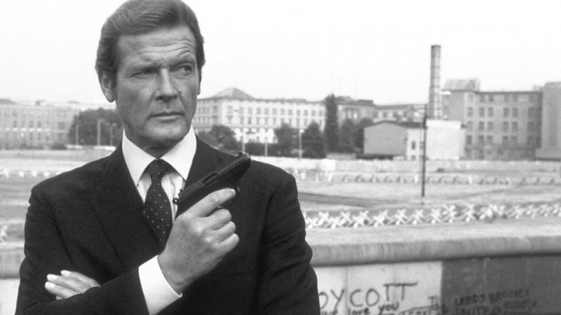 Roger Moore (źródło: youtube.com/screenshot)