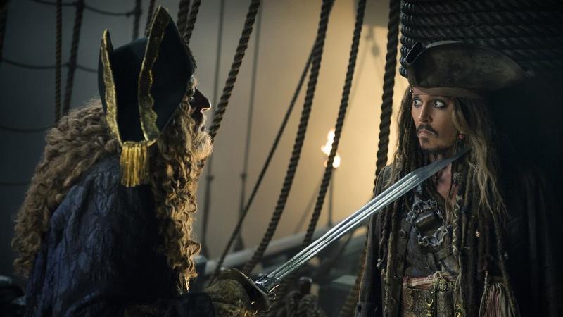 """Kadr z filmu """"Piraci z Karaibów: Zemsta Salazara"""" (źródło: materiały prasowe)"""