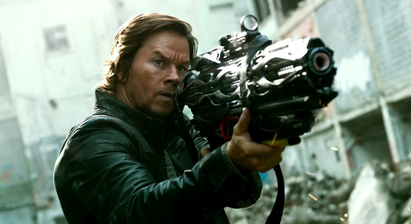 """Kadr z filmu """"Transformers: Ostatni Rycerz"""" (źródło: youtube.com)"""