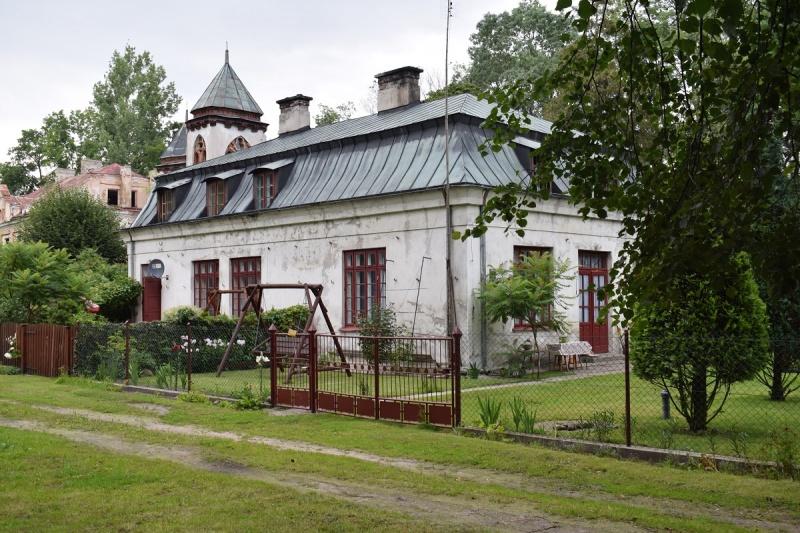 Nowy Duninów - Pałacyk myśliwski (fot. PJ)
