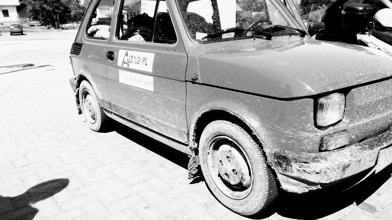 Fiat 126p po podróży (fot. Ewa Leśniewska)