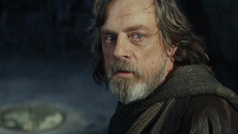 """Mark Hamill, czyli Luke Skywalker powraca w """"Ostatnim Jedi"""" jako mentor Rey (źródło: youtube.com/screenshot)"""