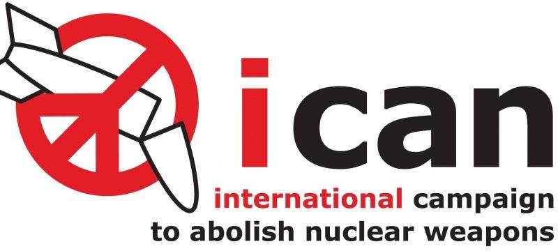 Logo Międzynarodowej Kampanii na rzecz Zniesienia Broni Nuklearnej (wikimedia.org)